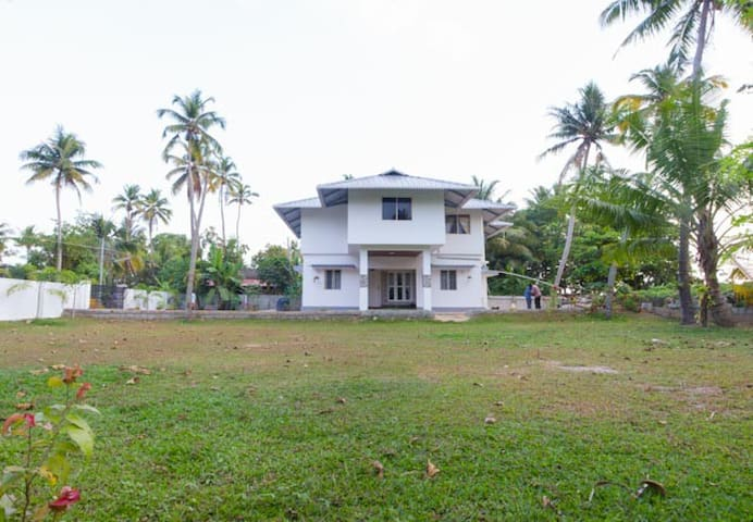 Beach House in Vypin Island - Vypin