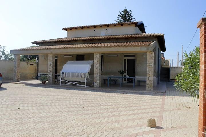 Villa Sara nella riviera siciliana
