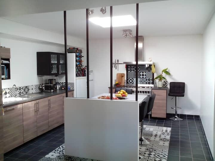 Penmarch : Maison rénovée à 40 pas de la mer
