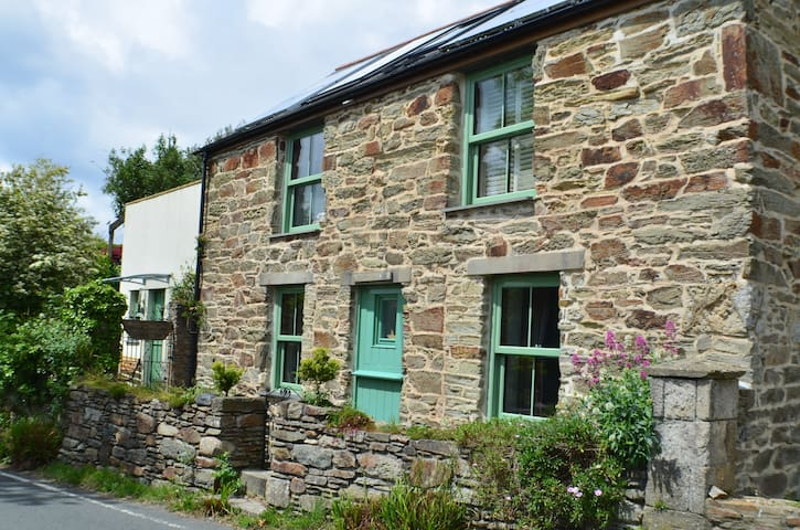 Charming Historic Cottage in St Agnes