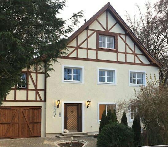 Fachwerkvilla bei München im Fünf Seen Land - Gauting - Apartment