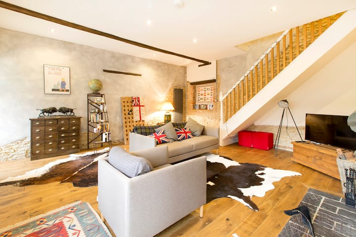Luxury two bedroom converted mews house