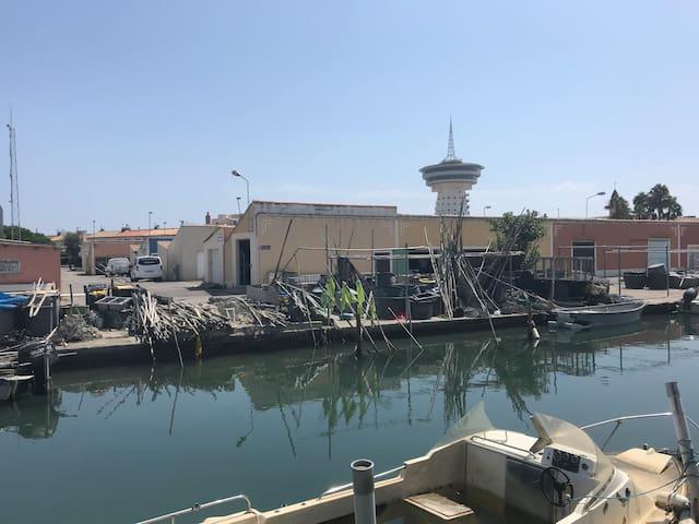 Phare de la Méditerranée restaurant tournant