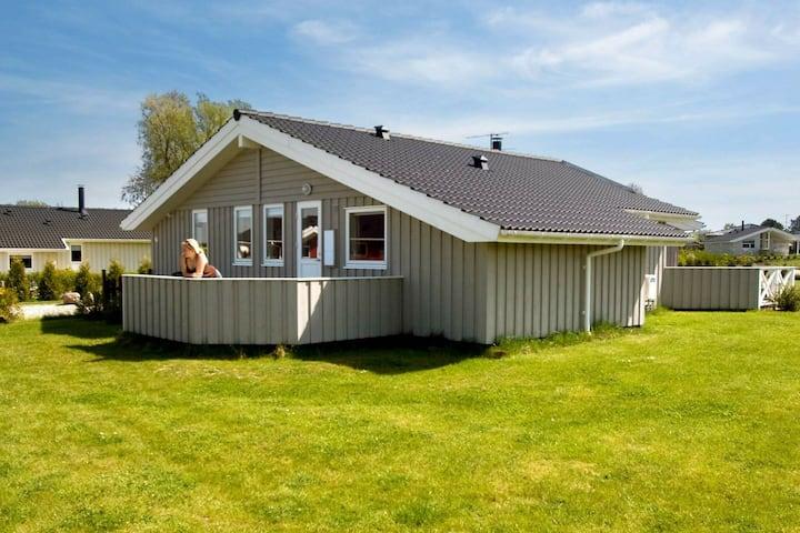 Gemütliches Ferienhaus in Rude mit Sauna