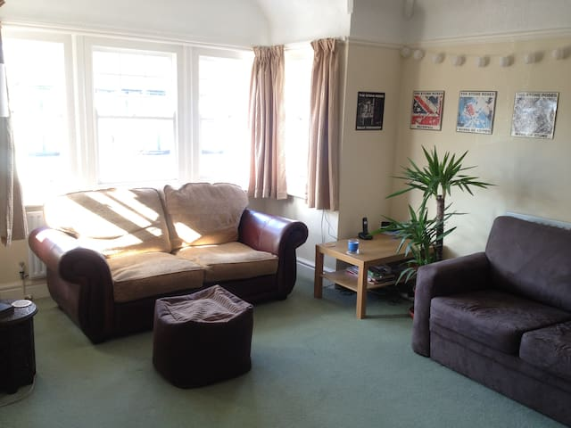 Spacious first floor one bed flat