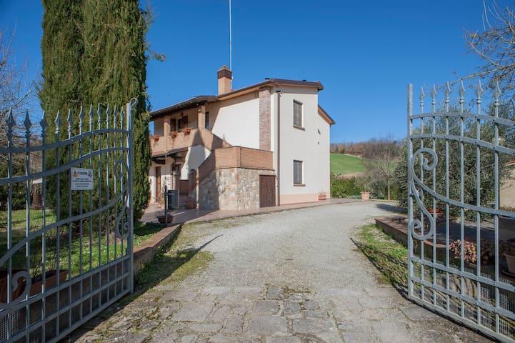 Affitto appartamento in agriturismo con piscina 1 - Volterra - Ev