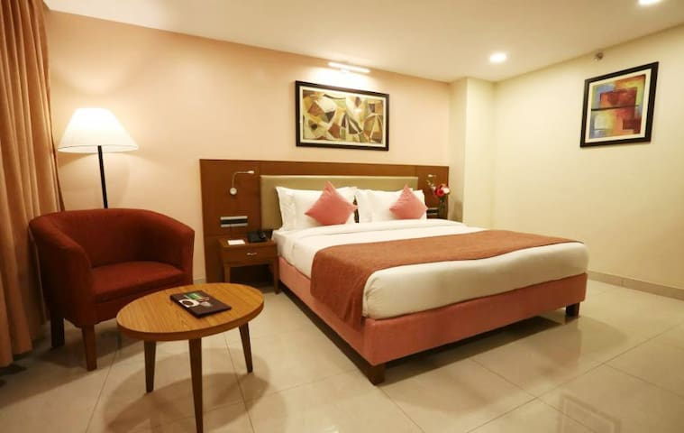 Royal Orbit BnB Room 500Mtrs To Candolim Beach ELG