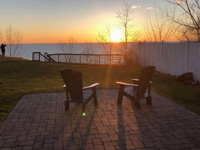 ★ Endless Lake Michigan views. Spacious Home.