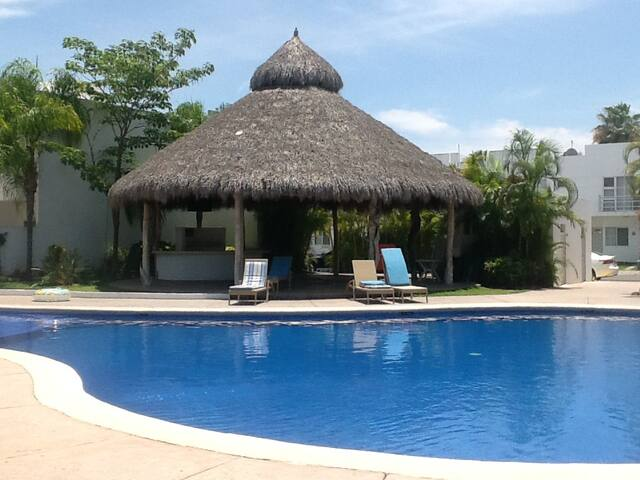Spacious private room in housing complex with pool - Nuevo Vallarta - Hus