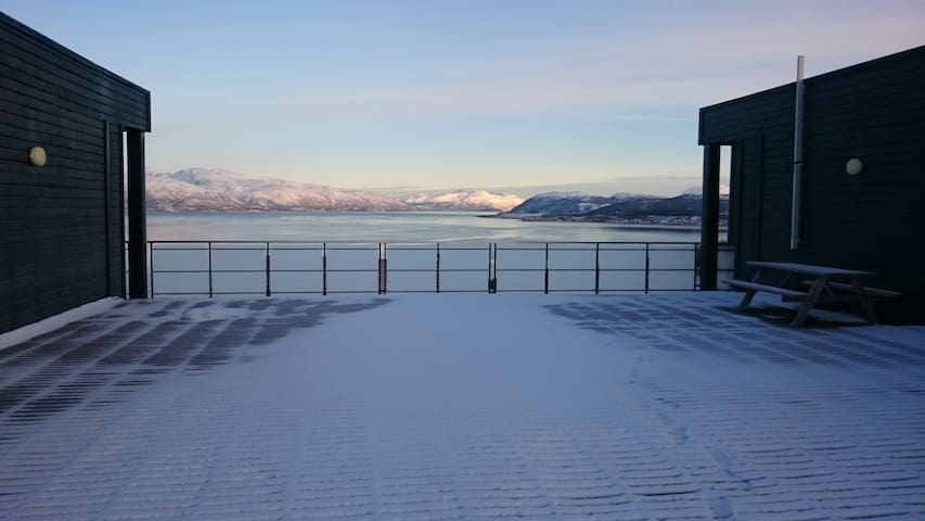 cozy apartment close to nature. 30min bus to town. - Tromsø - Apartment