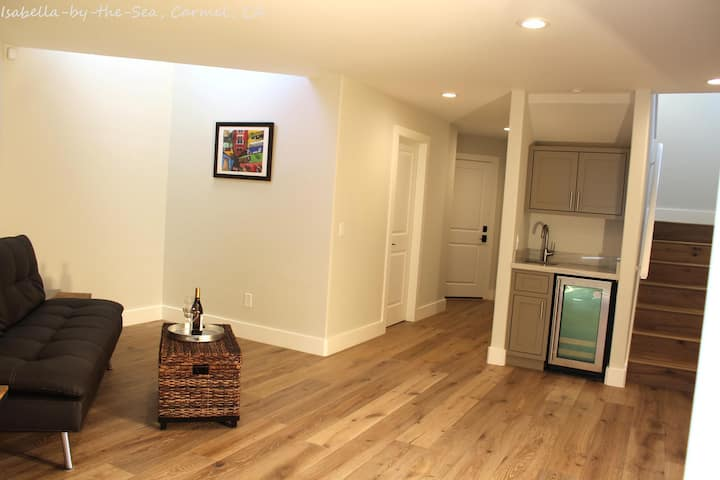 Beautifully Remodeled Home Two Blocks from Carmel Beach - 30 Day Minimum