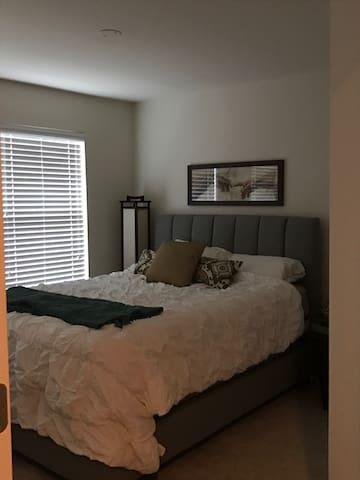 New 3-level condo near D.C.! - Dale City - Appartement en résidence