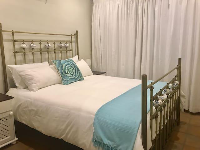 2nd bedroom, ensuite.