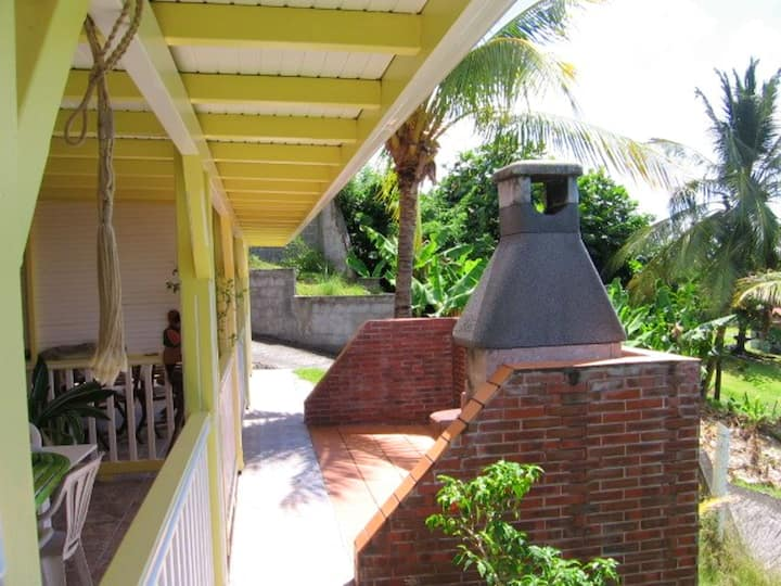 House with one bedroom in Le Diamant, with wonderful sea view, enclosed garden and WiFi