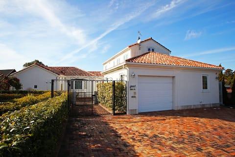 Open Sale! Getaway Beach house in Ise.Hot Tub/Golf