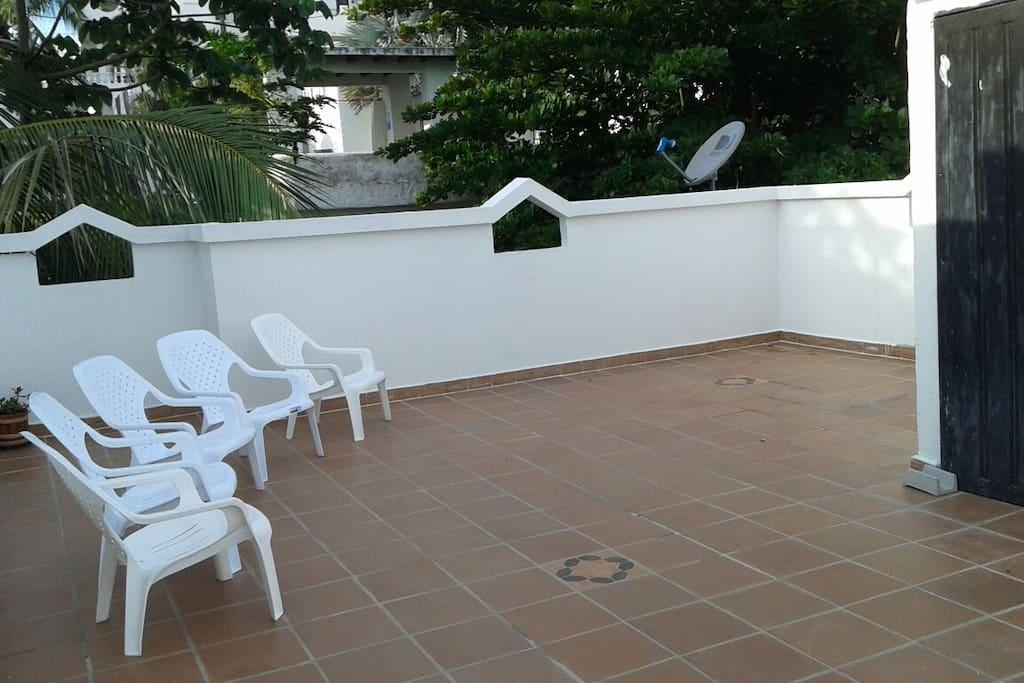Zona de bronceo en la terraza