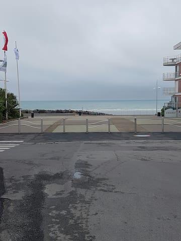 Rez de jardin bord de mer (plage des rosaires) - Plérin - Lainnya