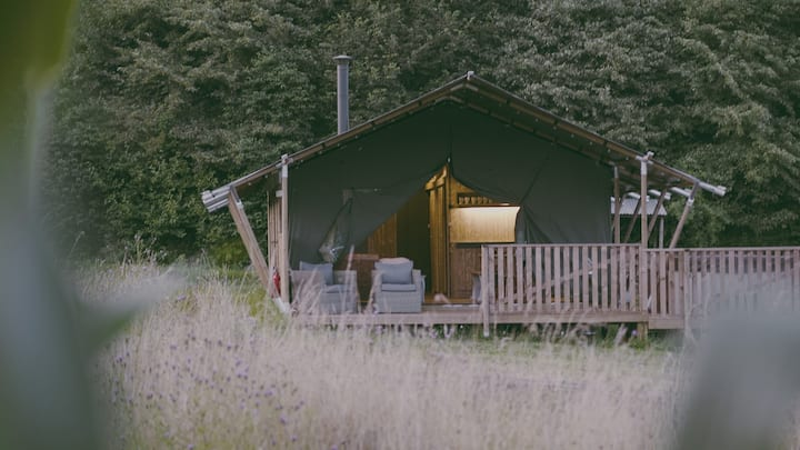 Luxury canvas cottage with hot tub @ Nature's Nest