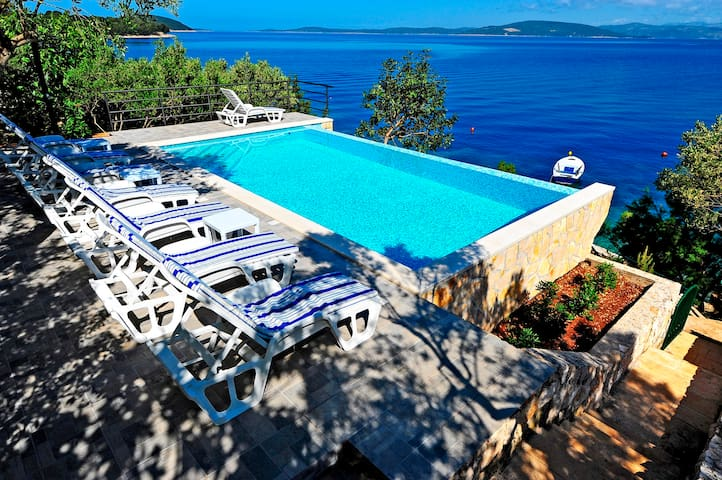 Villa Jadre with pool and private beach near Split