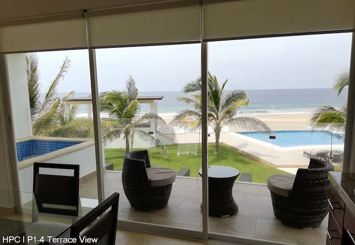 Luxury Suite Ocean View & Terrace at HPC-4