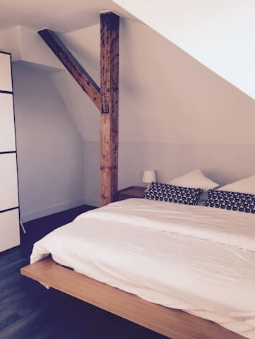 Belle chambre espacieuse + parking - Luxemburg - Wohnung