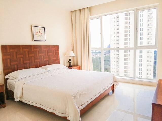 海南博鳌宝莲城117平米17层,海景、通透、两卧一厅、厨房、卫生间、阳台。长租价格可商量,