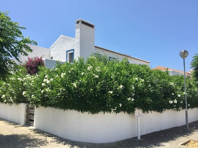 Family house near the beach, 1h from Lisbon