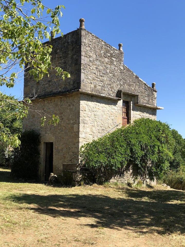 House with one bedroom in Tour-de-Faure, with enclosed garden