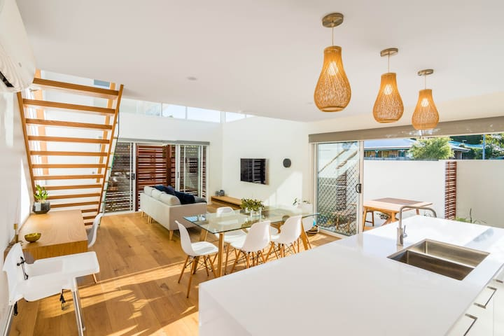 Blissful Byron Bay–Beautiful Belongil Beach House