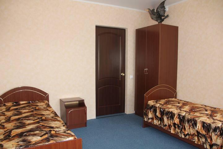 Мини-отель Крылатый - трехместный номер