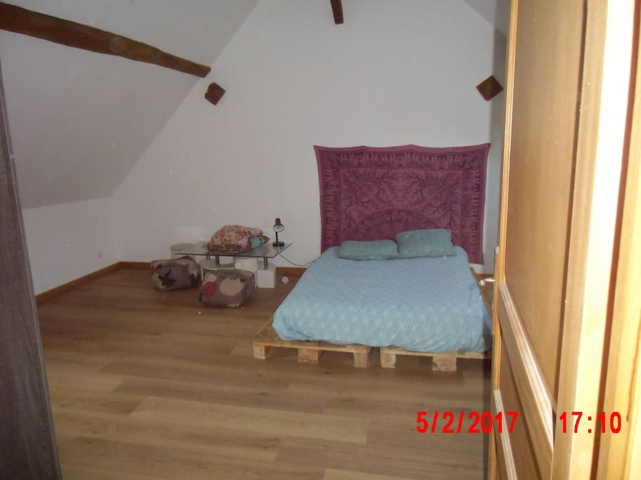 Chambre insolite maisons louer saint gondon centre for Chambre insolite