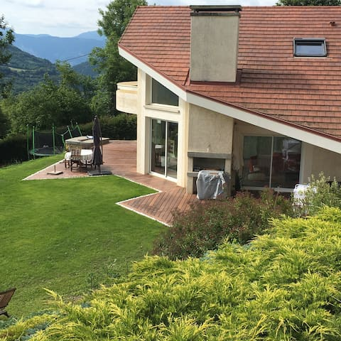 Bright modern house, in mountains close Grenoble - Saint-Martin-d'Uriage - House