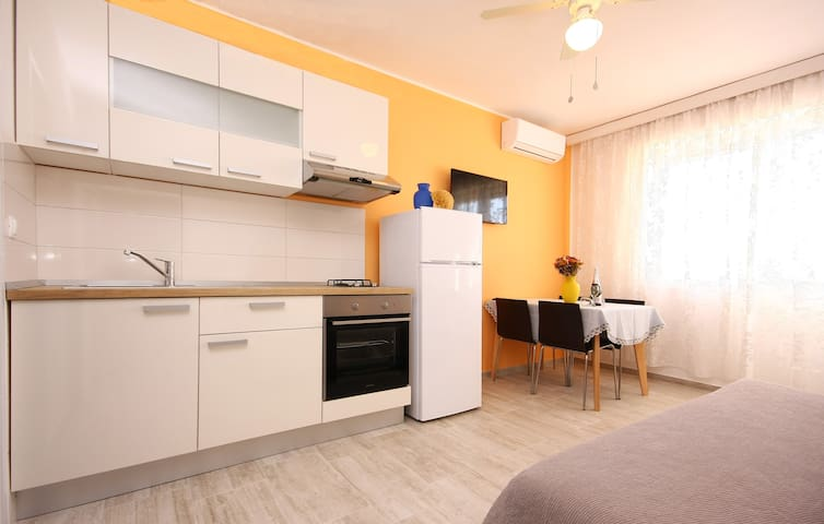 A.Kalabrić Apartment - Brodarica - Appartamento