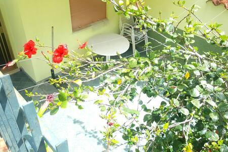 Appartamento a pochi metri dal mare - Cala Gonone - Квартира