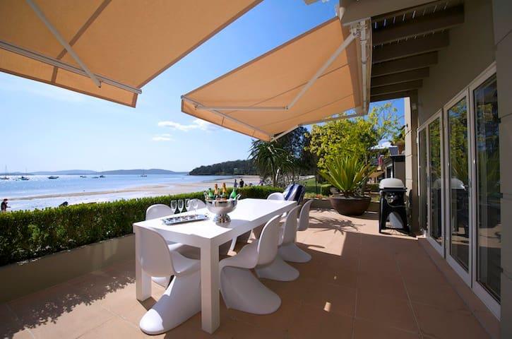 H3 Port Stephens Waterfront - Corlette - Talo