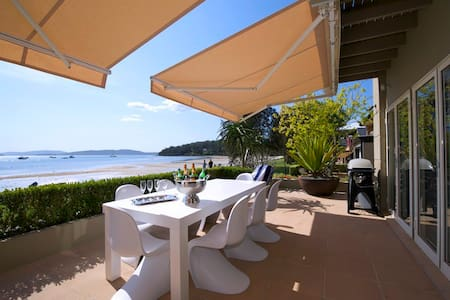 H3 Port Stephens Waterfront - Corlette - Haus