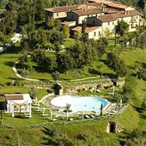 Borgo Paradise - Civitella in Val di Chiana - Alojamento ecológico