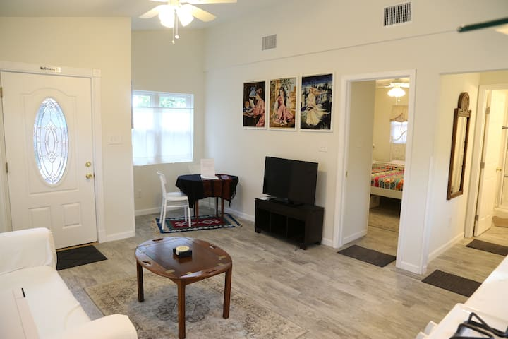Downtown east Austin beautiful & convenient house