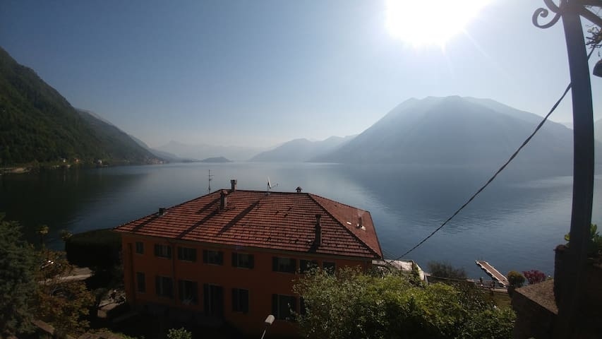 Modern Apartment in Period Villa with Lake Views - Argegno - Apartament