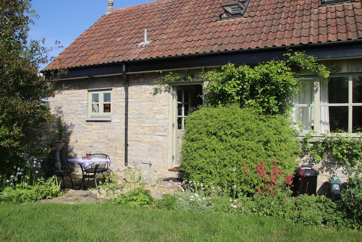 Rural cottage in peaceful location - Butleigh - Dom