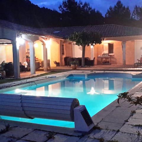 Grande villa avec piscine proche mer et golf - La Cadière-d'Azur - Vila