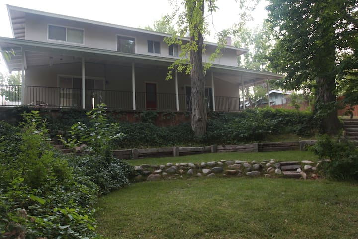 Rambler's Roost-4 Rooms-#1 Master - Big Pine - Дом