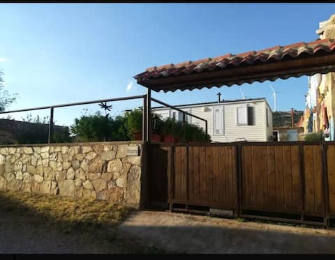 Casa con jardín en pueblo de Soria Villa Mirasiera