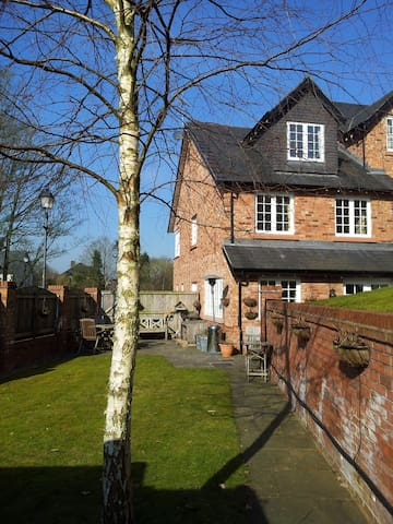 Cosy Cheshire House Share, 3 large double BedRooms - Knutsford - Casa