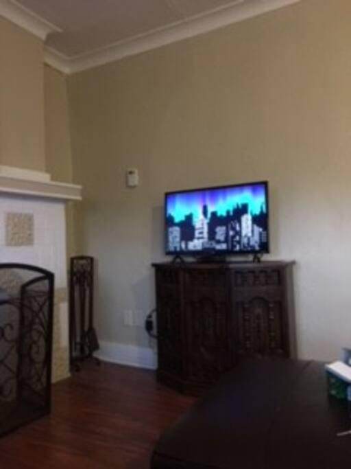 FIOS WiFi & TV, Hulu, Netflix & Sling