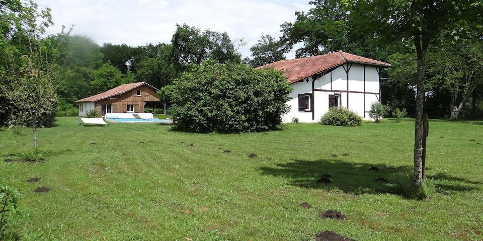 Maison landaise sur la commune de Rion des Landes