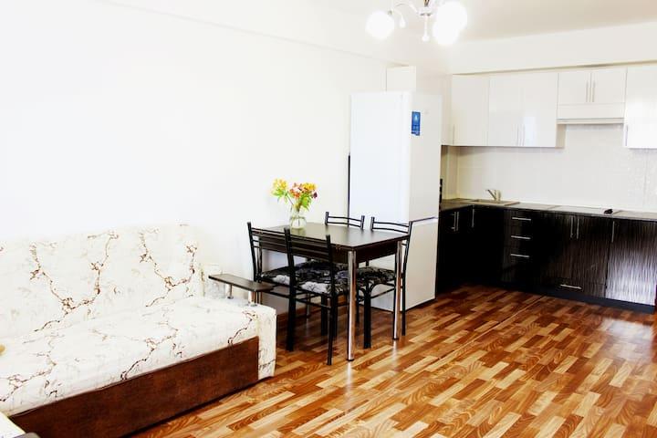 Апартаменты рядом с Абхазией - Veseloye - Apartamento