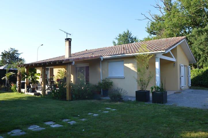 maison située entre lac, océan et foret - Azur