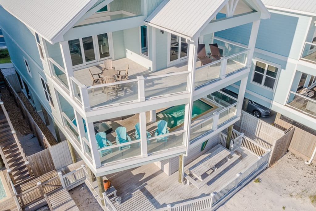Private pool, heat at additional cost, and just steps from the Gulf of Mexico.