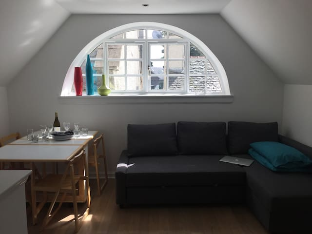 Lovely and light holiday flat in unique conversion - Tranent - Wohnung